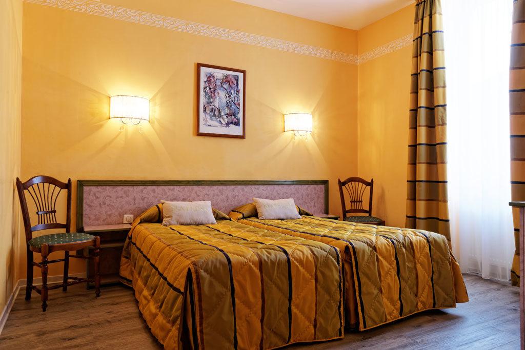 Hotel Tete Noire Autun 71400